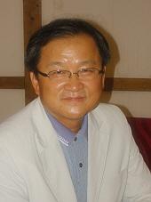 이동훈 교수님 사진