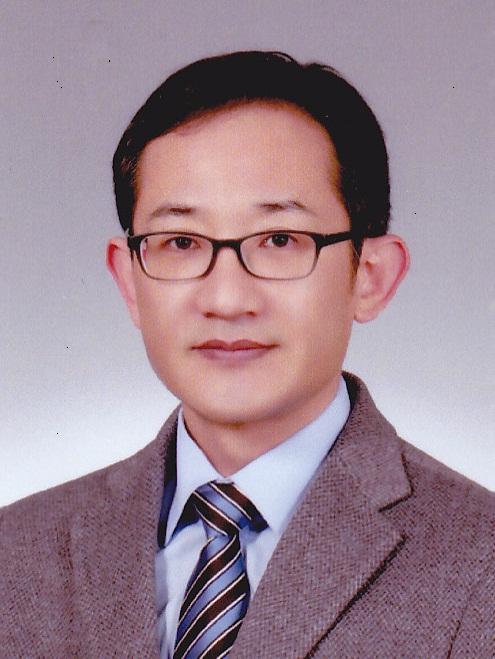 김성수 교수님 사진