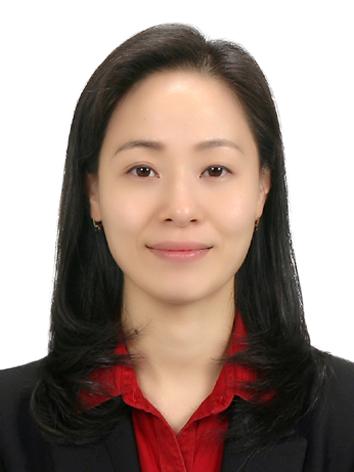 김윤미 교수님 사진