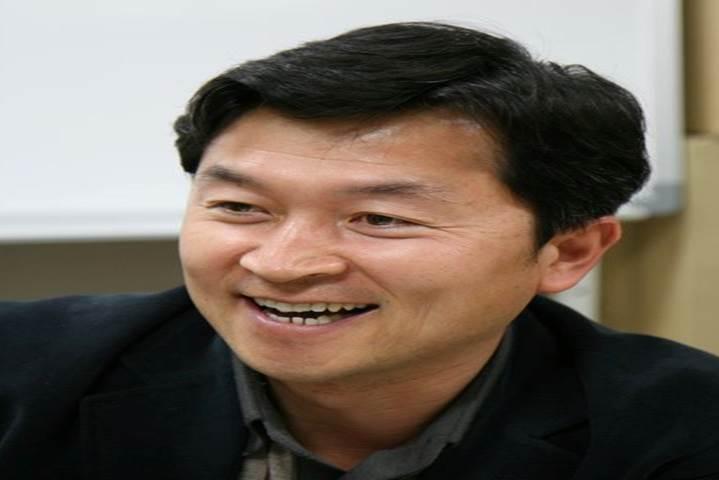 정석 교수님 사진