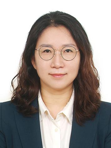 강은현 교수님 사진